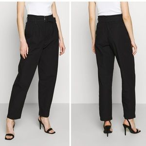 NEW Levi's High Rise Loose Balloon Tapered Leg Black Mom Pants/Jeans 26W x 30 L
